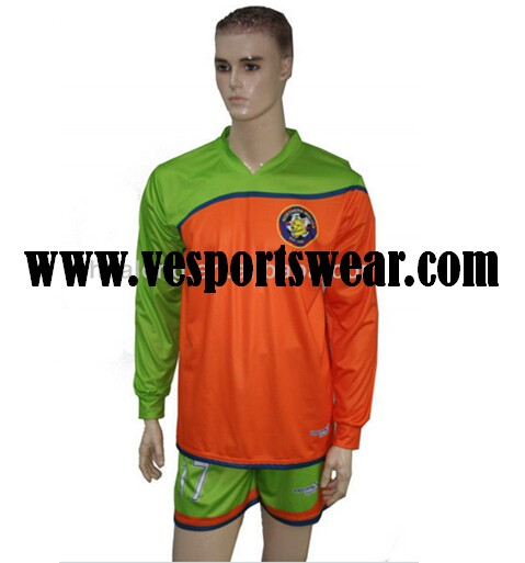 100% polyester customized football kit