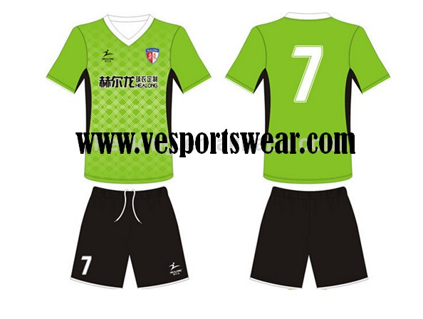 Customized Men's Football Jersey Soccer Shirt and